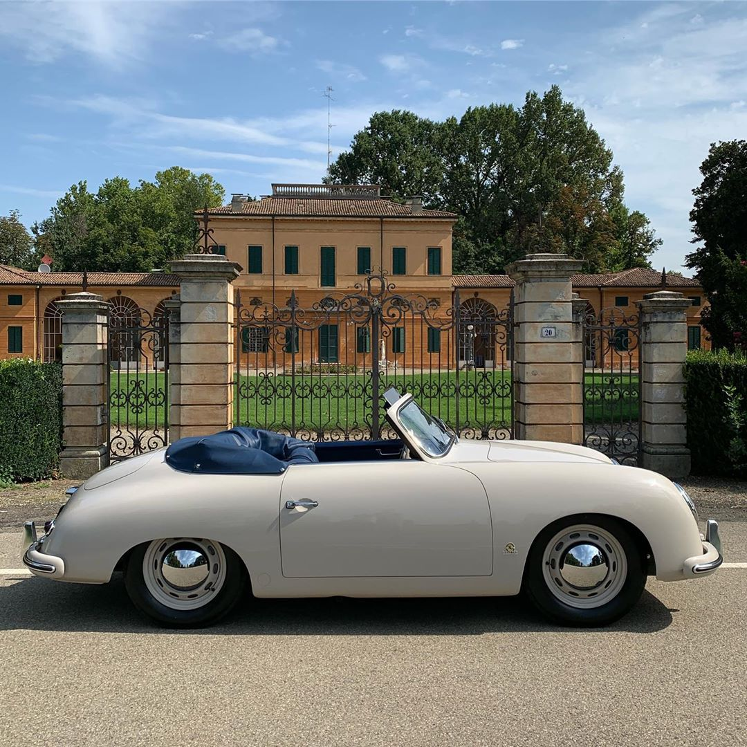 Our restoration project of this Porsche 356 Cabriolet MY53 has to the end and ready to enjoy the summer holidays. Nice color combo of Pearl Grey and Blue leather interior. Get it and drive it home n the spirit of the 50's – – –