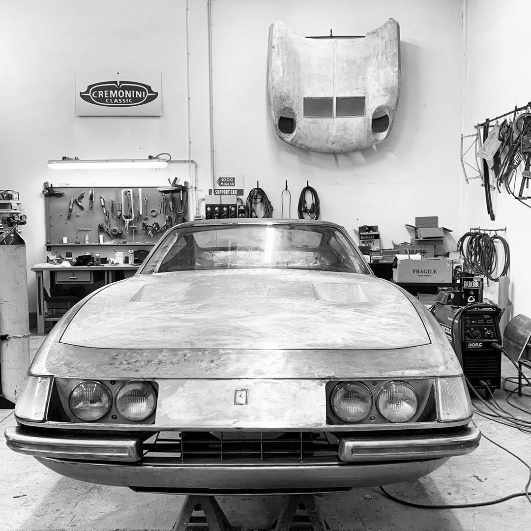 Here is a bare metal beauty shot of a Ferrari Daytona. We are well underway with the metal work phase. Time to rest now, have a great weekend! – – –
