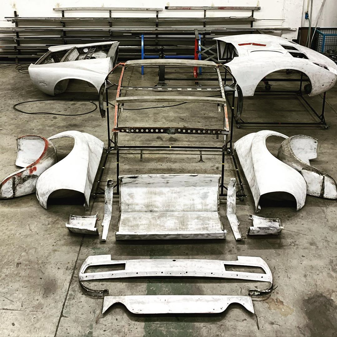 Sometimes you need to make tough decisions. This happens when someone who doesn't love cars didn't do a proper assembly work; this car will now need to be taken apart, repaired in the right way and re-assembled. We ️ cars we ️ Miura – – –