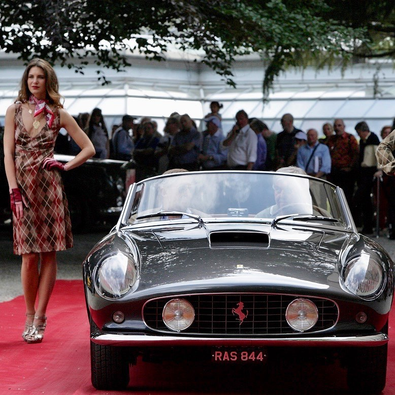 Exactly 5 years ago we showed this nice car at Villa d'Este Concourse d'Elegance. The complete project was carried out in good collaboration with Toni Auto and Brandoli. We'll be back in October from the 16th to 18th to enjoy one of the best show for cars lovers! – – –