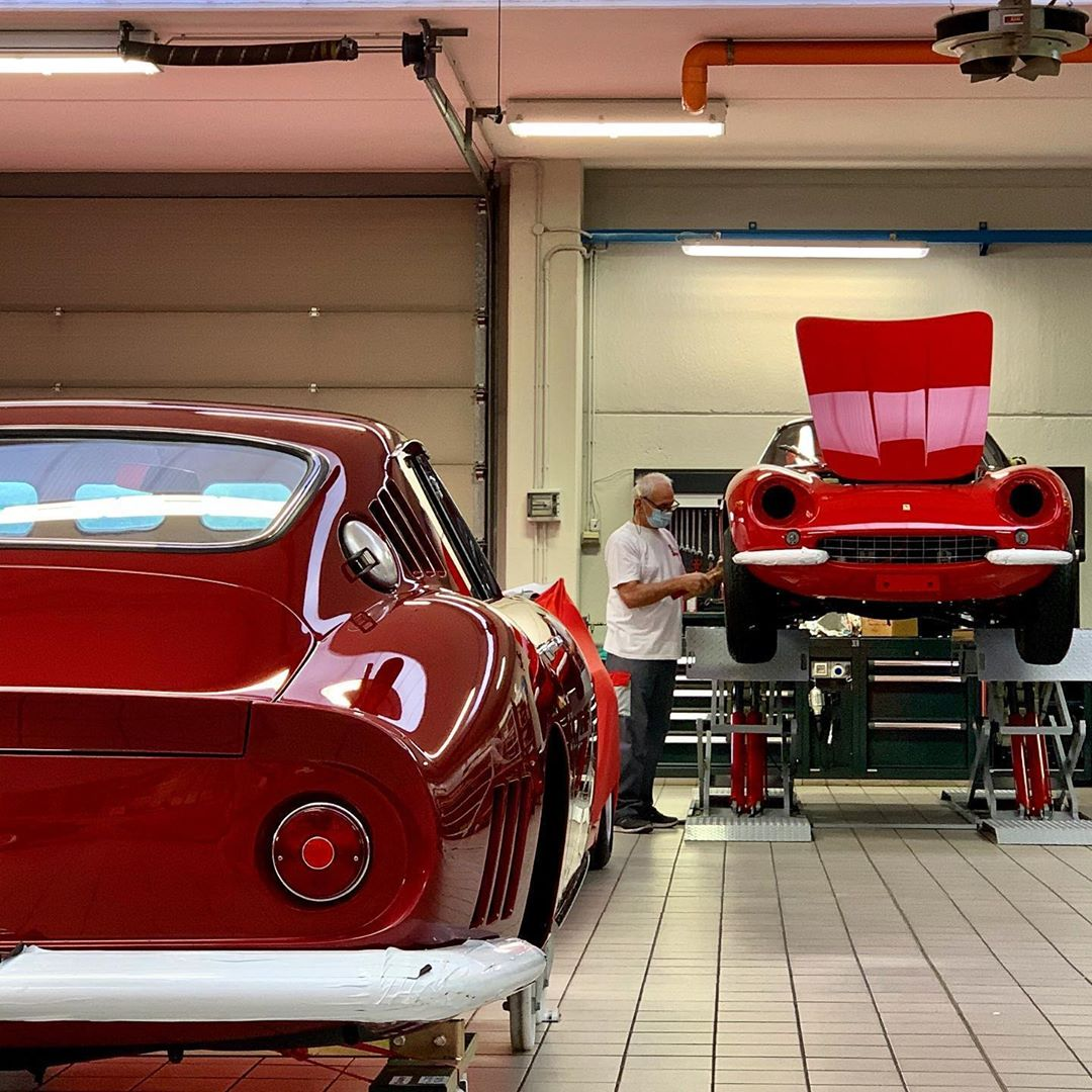 A sneak peek into the operating room: the skillful hands of the engine surgeon has put a smile back on these beautiful 275 – – –